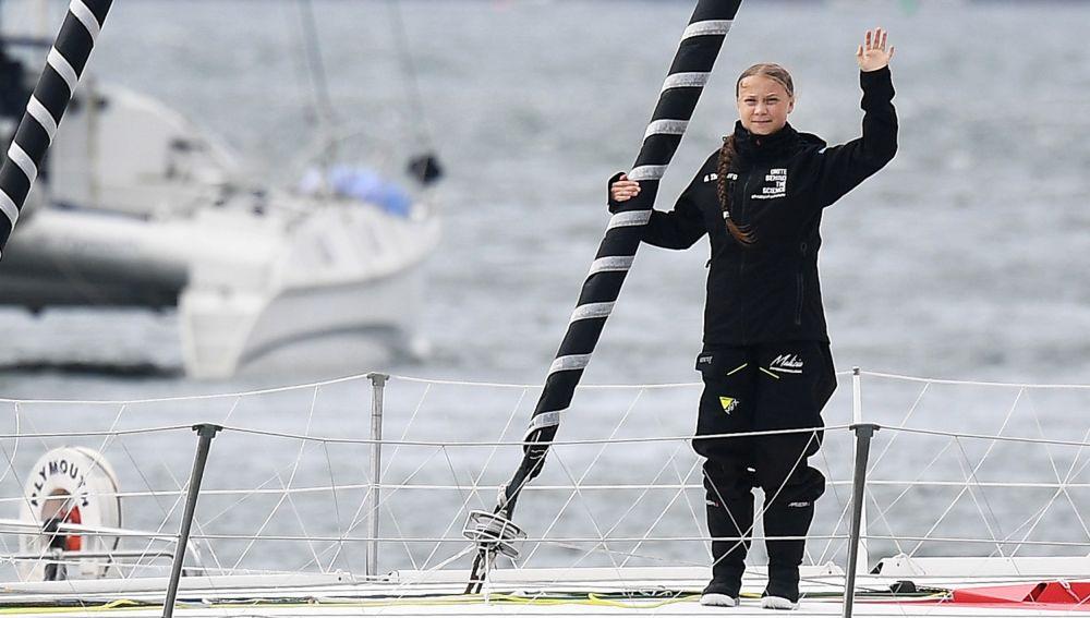 La activsta sueca, Greta Thunberg navega a bordo del catamarán Malizia II para llegar a Europa