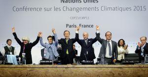 Los máximos responsables de cada nación celebran el acuerdo alcanzado en la COP21 de Paris