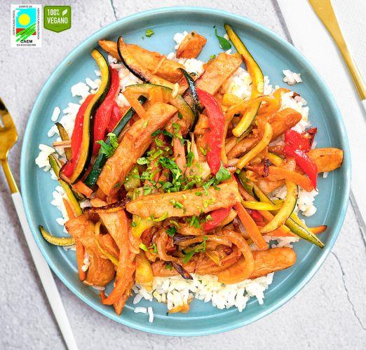 Chop suey de carne Heura y verduras con arroz